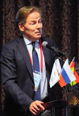 Генеральный директор VDB проф. Р. Пёрнер