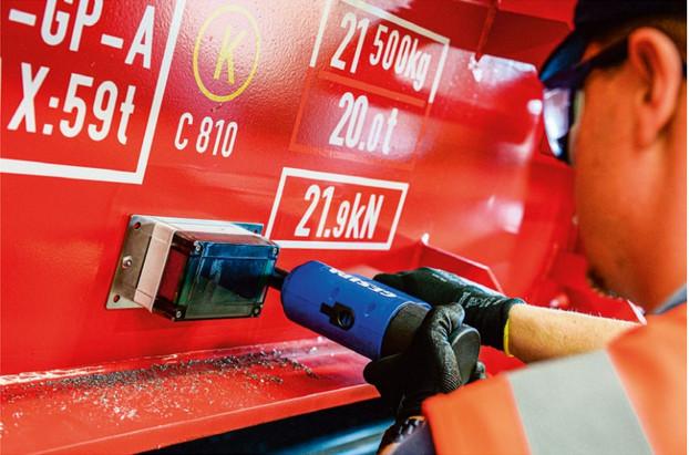 Монтаж телематического устройства на грузовом вагоне оператора DB Cargo