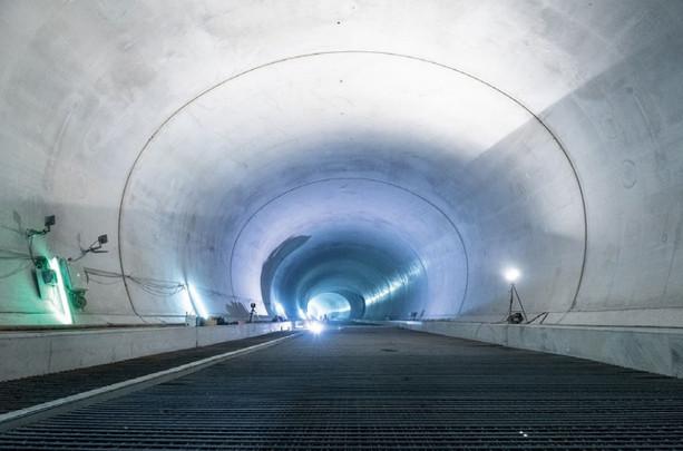 Один из соединительных тоннелей