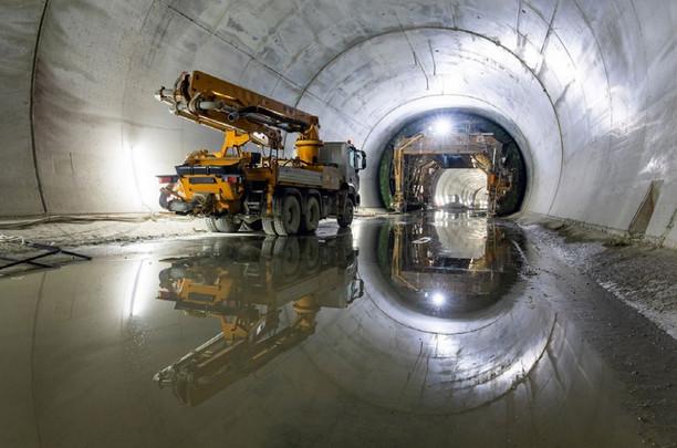 Участок тоннеля под рекой Изарко